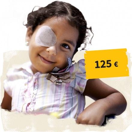 Link zum Spendenshop: Kind mit Augenverband, Button 125 Euro