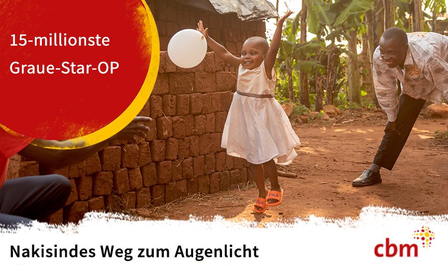 Ein kleines afrikanisches Mädchen wirft einen Luftballon hoch. Auf einem roten Punkt steht